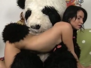 Yeah, cleaning isn't the almost all gripping thing u can devote your time to… And though this sexy angel appears to be to feel fine about wearing those huge rubber gloves, this babe gets really astounded when the large panda bear sitting on the sofa starts to fondle and hug her… Mmm…..
