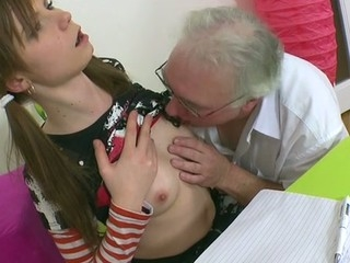 Beauty is delighting teacher with her skillful mouth