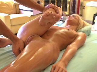 Hot layman blonde girl gets screwed by dirty mighty dude