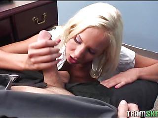 Schoolgirl learns the taste of an experienced love-tool