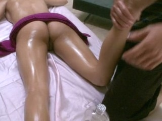 Hawt masseur is delight hottie's bawdy cleft during sensual massage