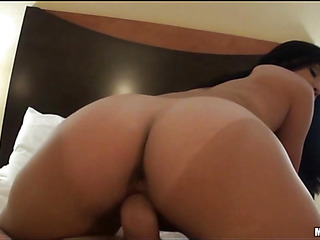 Sex appeal cutie gets unforgettable orgasm from anal screw