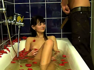 Amazing second-rate brunette sucking and obtaining gaped hard